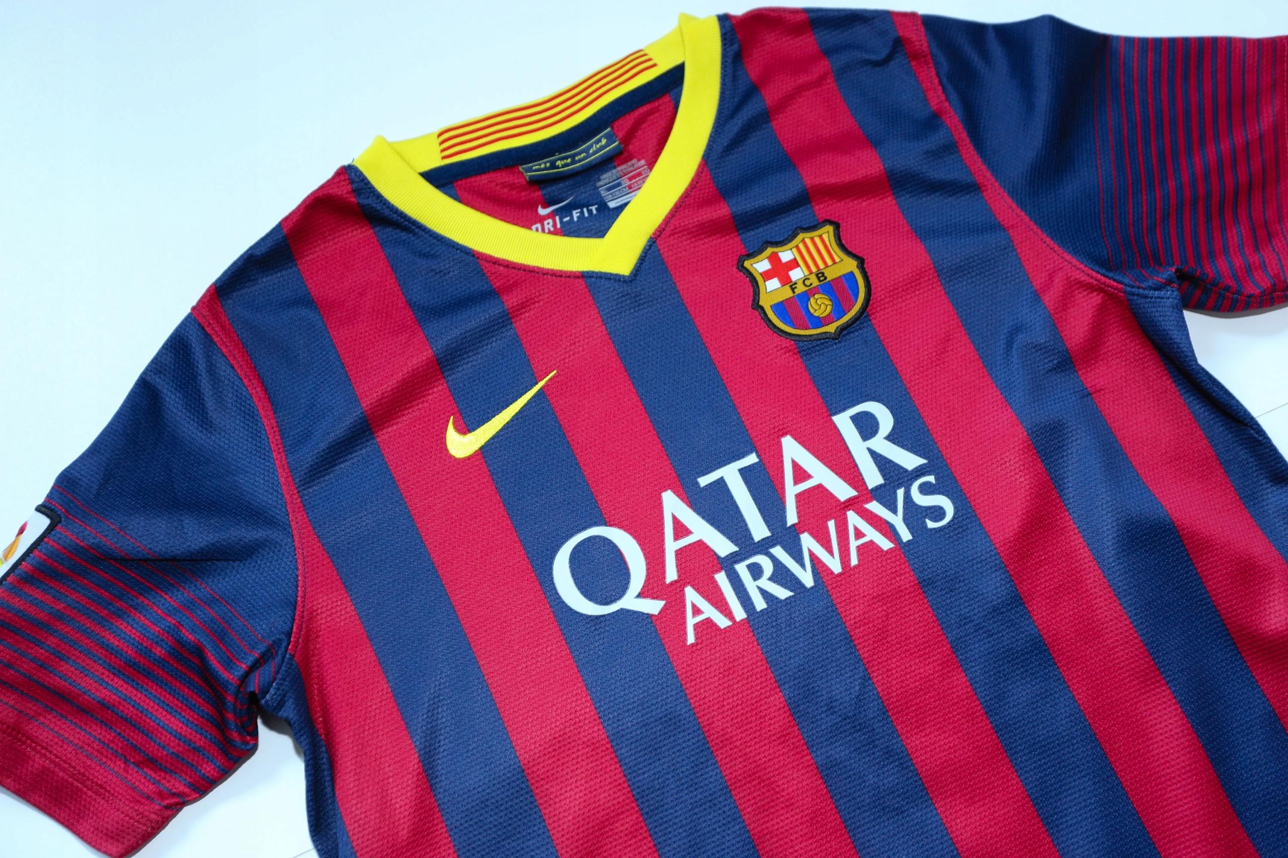 FC Barcelona świetna koszulka 158- 170 cm