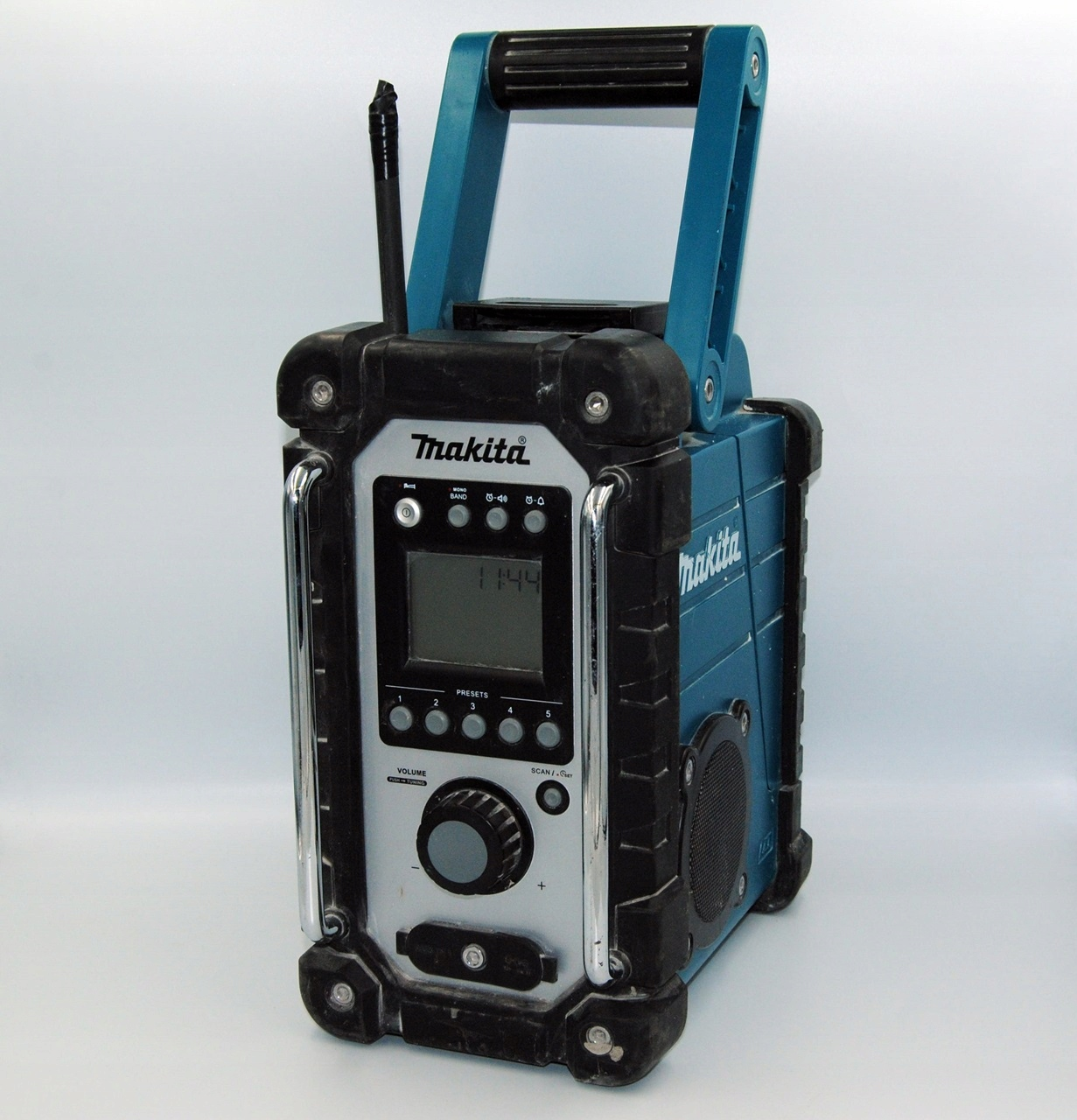 RADIO BUDOWLANE MAKITA DMR102 + AKUMULATOR