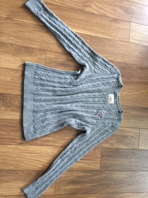 szary sweterek Hollister roz S/M