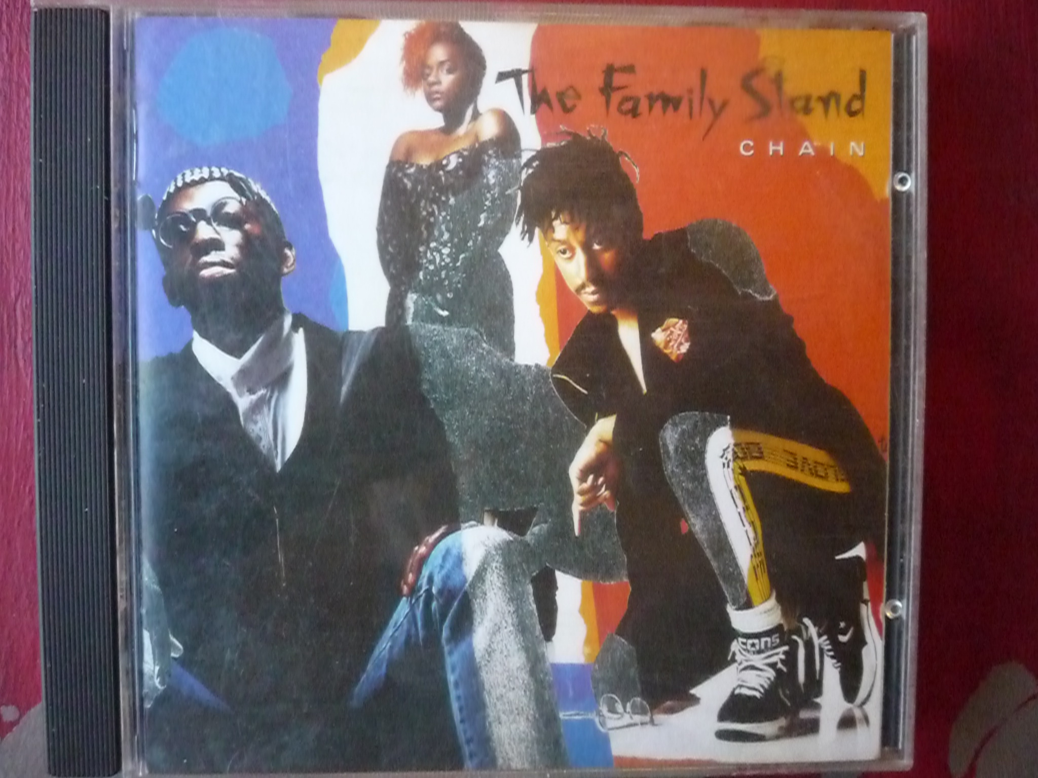 THE FAMILY STAND CHAIN CD