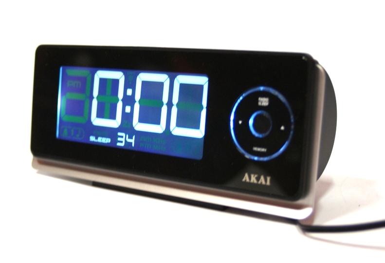 Japoński radiobudzik Akai AR270P projektor
