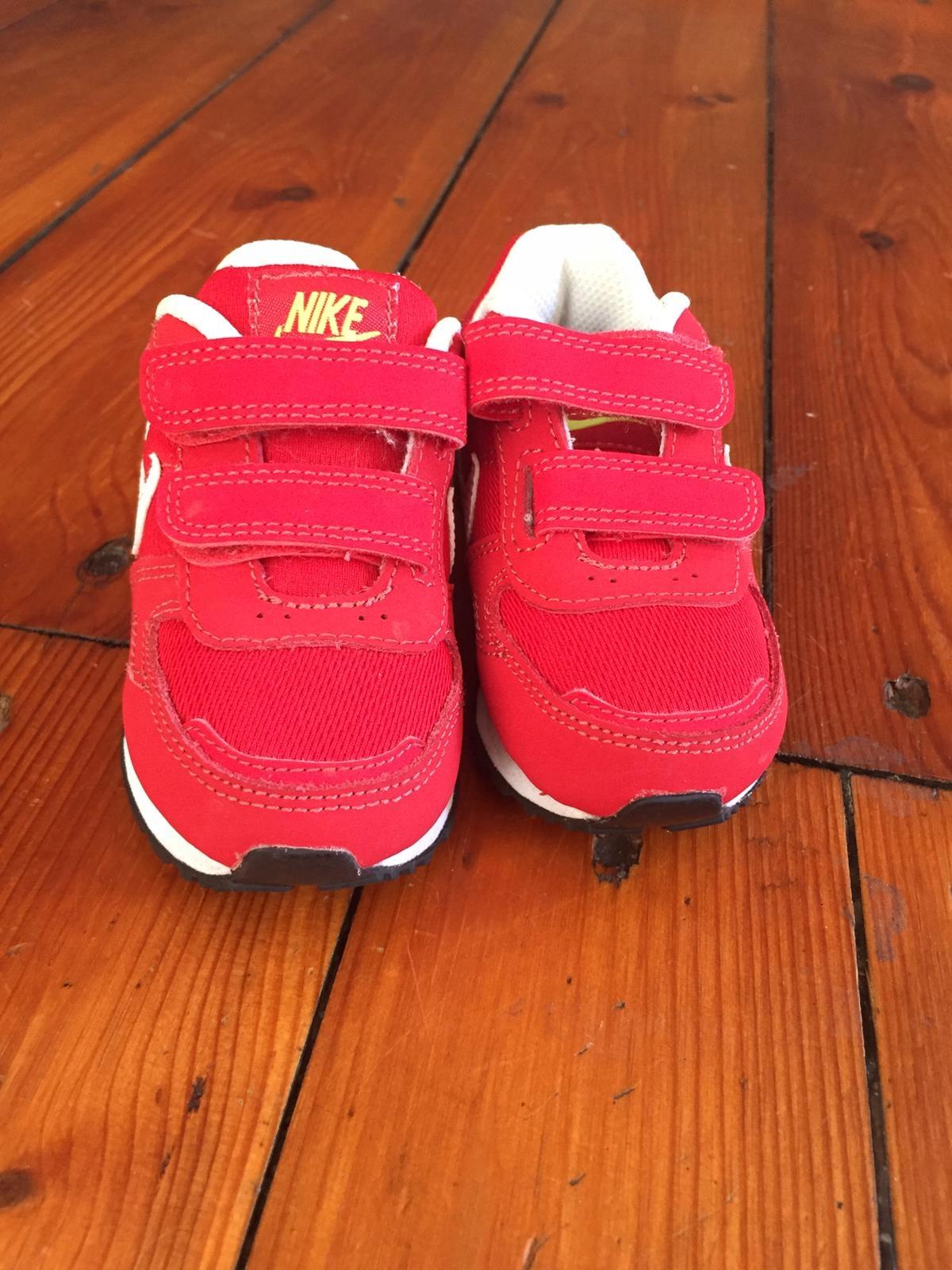 Buty niemowlęce NIKE SUPER ROZ 21
