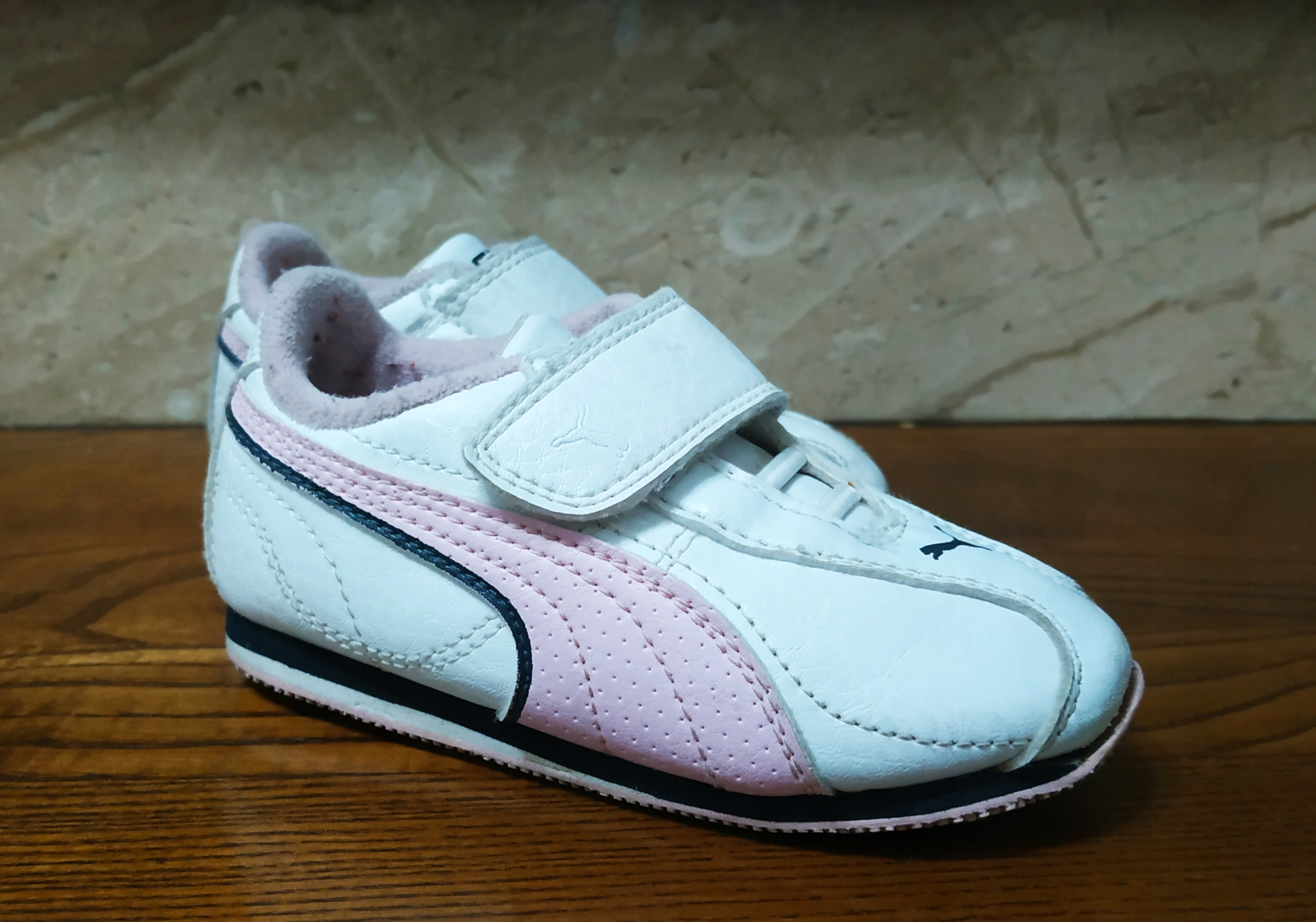 PUMA buciki sportowe dziewczęce adidasy 22