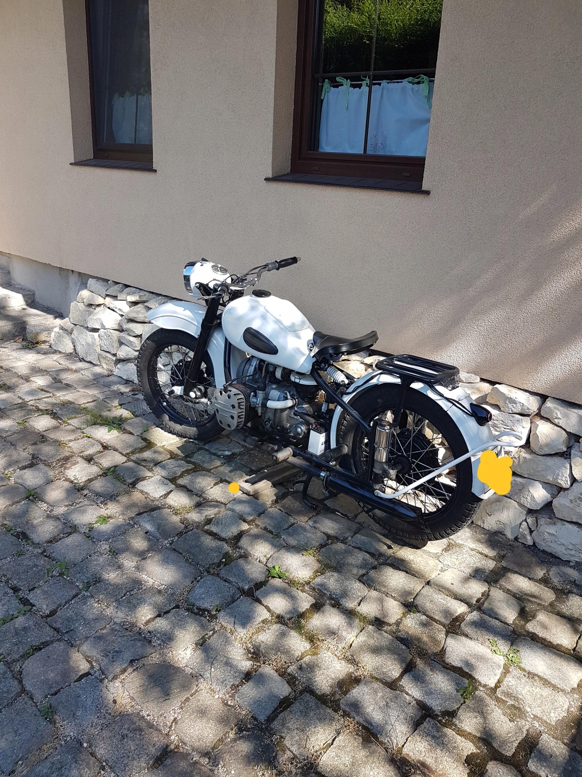 Motocykl zabytkowy M-72N