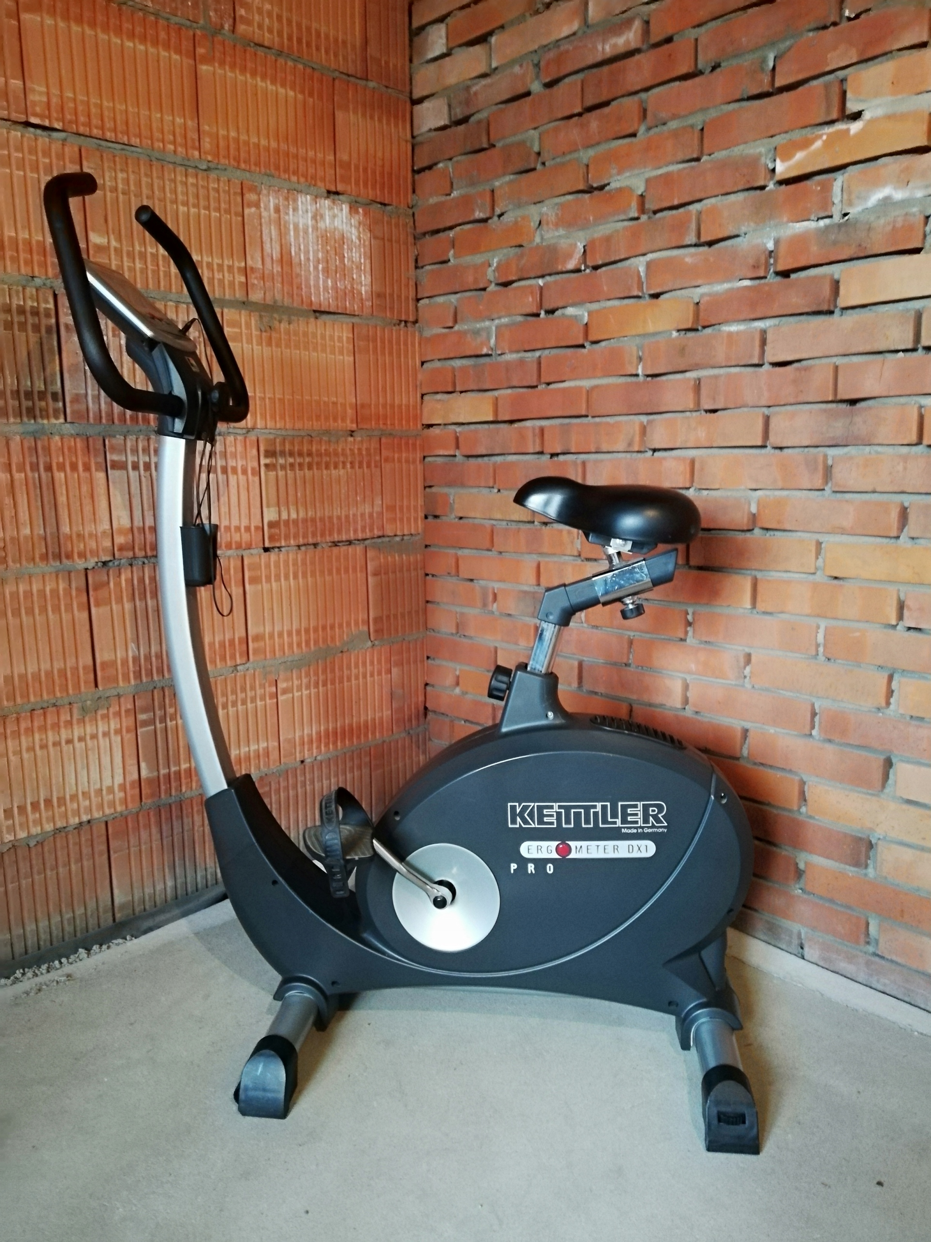 Solidny rower treningowy Kettler Dx1 Pro.