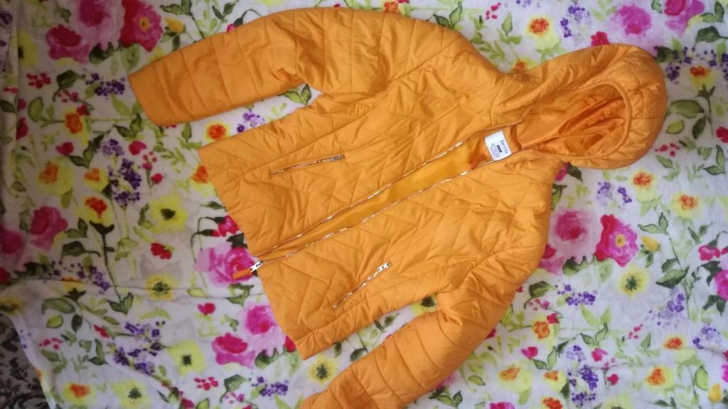 Bershka wiosna kurtka pikowana cienka 38 M neon
