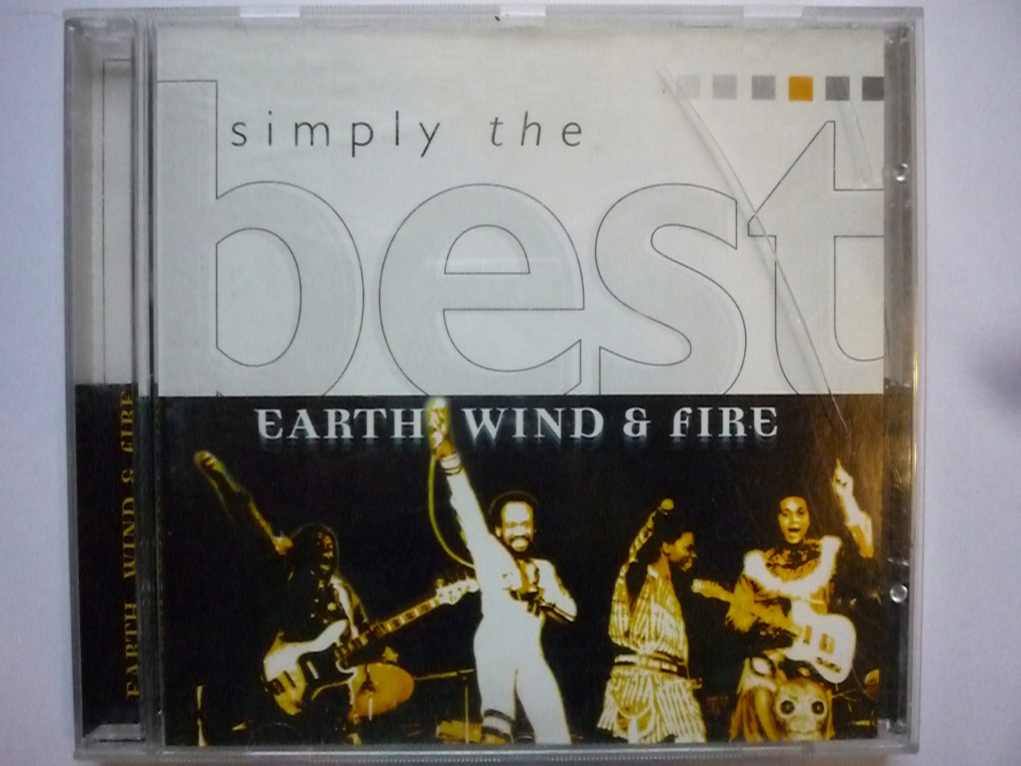 EARTH WIND & FIRE SIMPLY THE BEST