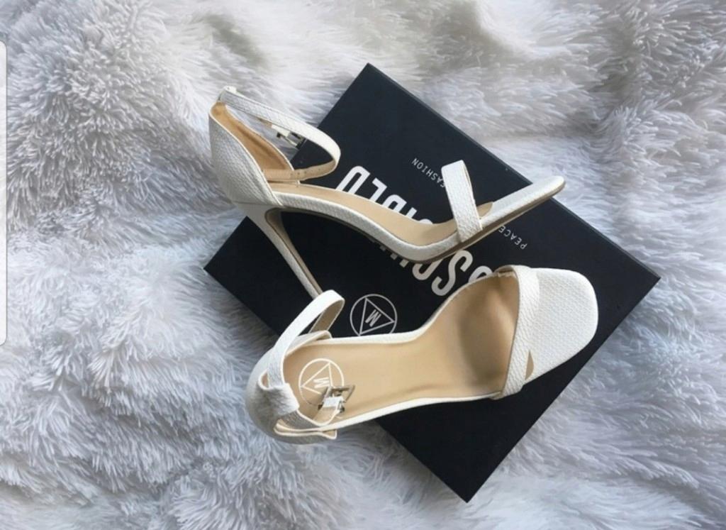 Missguided szpilki białe sandały 41