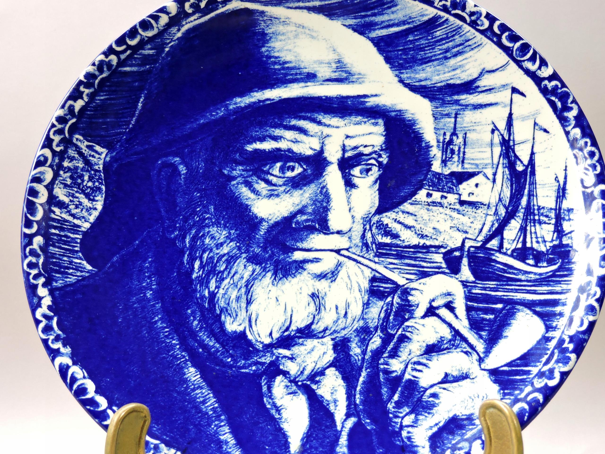 Talerz wisi obraz rybak marynarz kobalt Delft