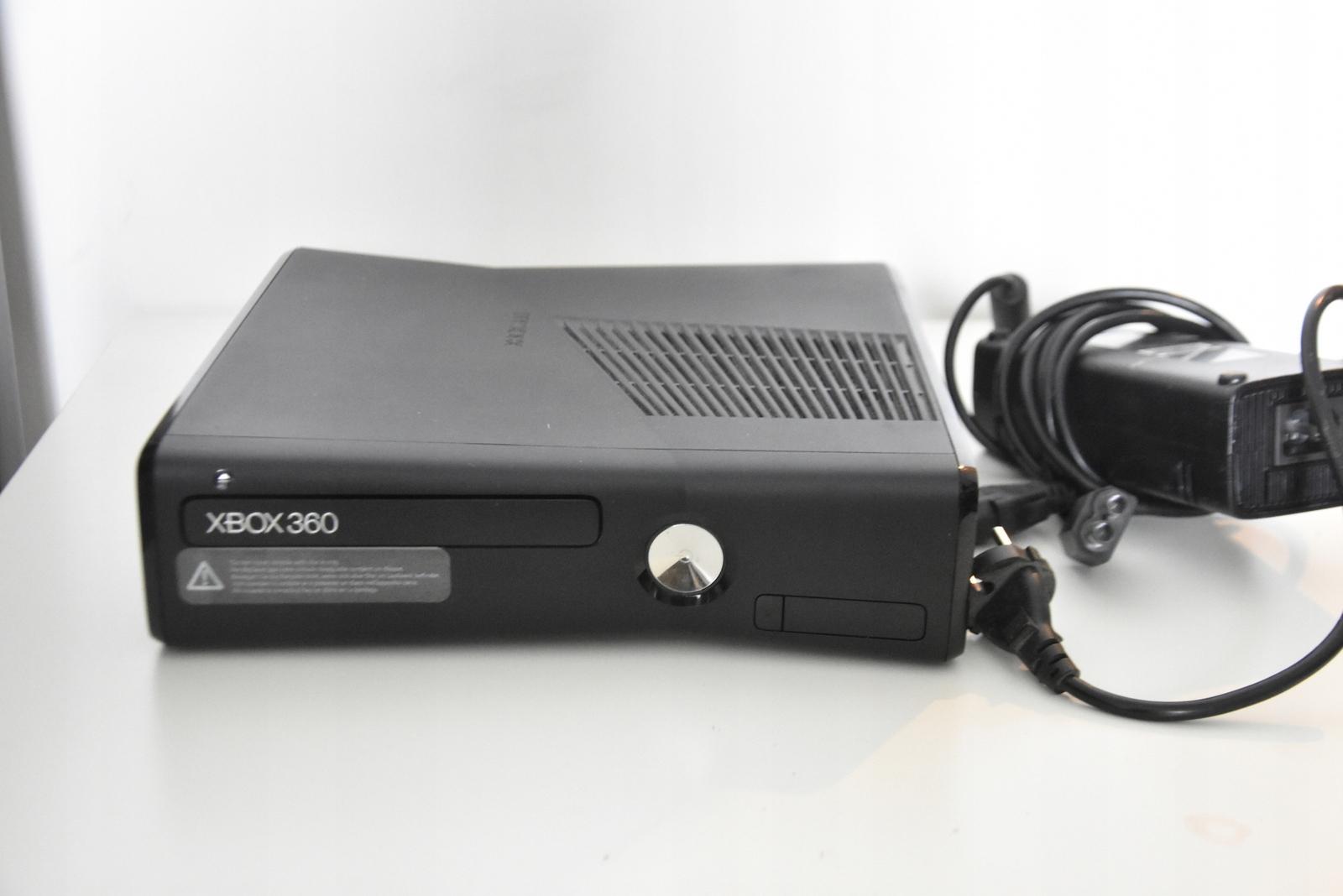 Konsola XBOX 360 S Console + 1 pad + gry