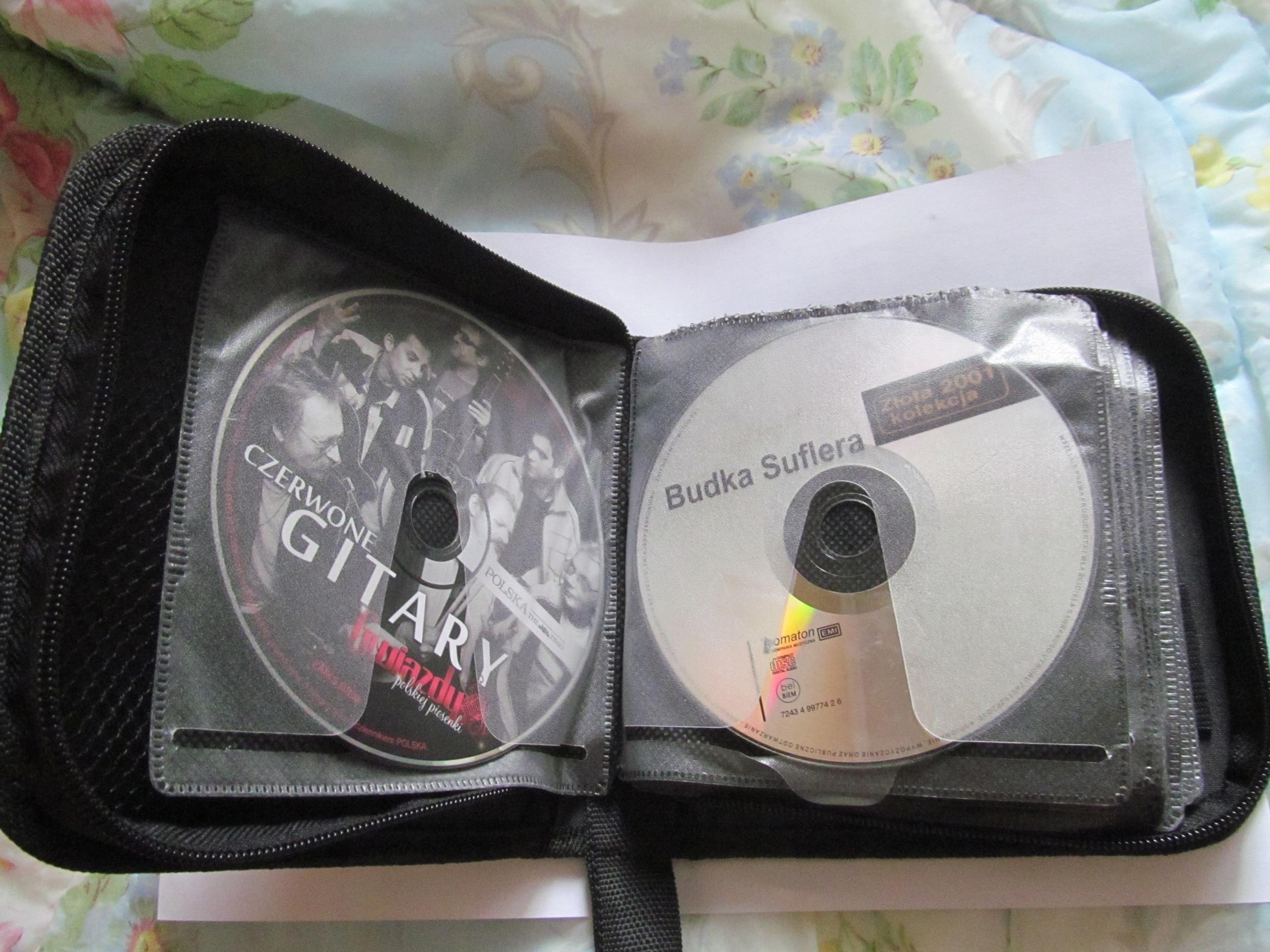 Zestaw płyt CD w etuii