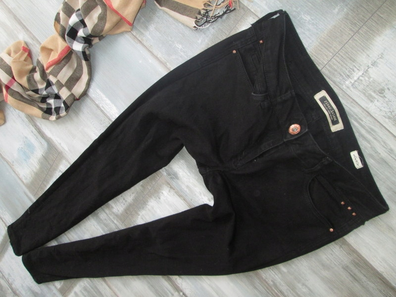 RIVER ISLAND__KRUCZO CZARNE jeans rurki__38/40