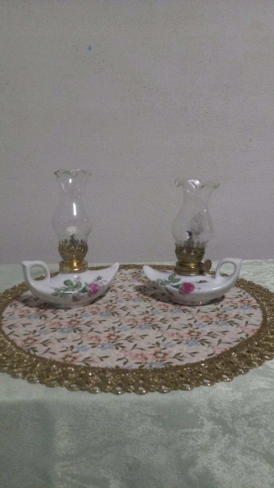 Urocze lampki porcelanowe naftowe