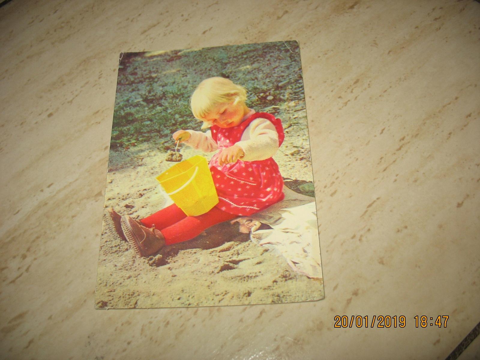 Dziecko zabawka wiaderko stara pocztówka