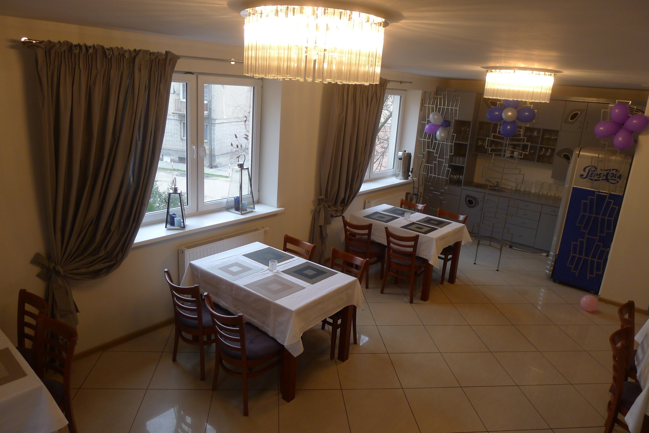 Bardzo dobry stoły do restauracji w Oficjalnym Archiwum Allegro - archiwum ofert HC13