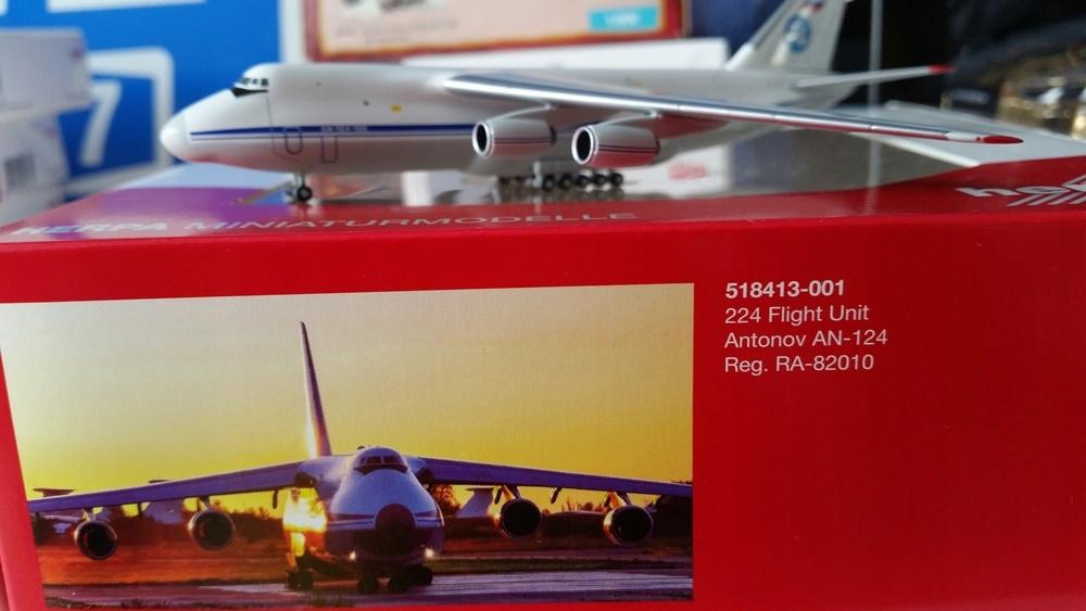 1:500 Antonov AN-124 224 Flight Unit Herpa