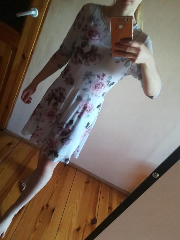 sukienka rozkloszowana floral