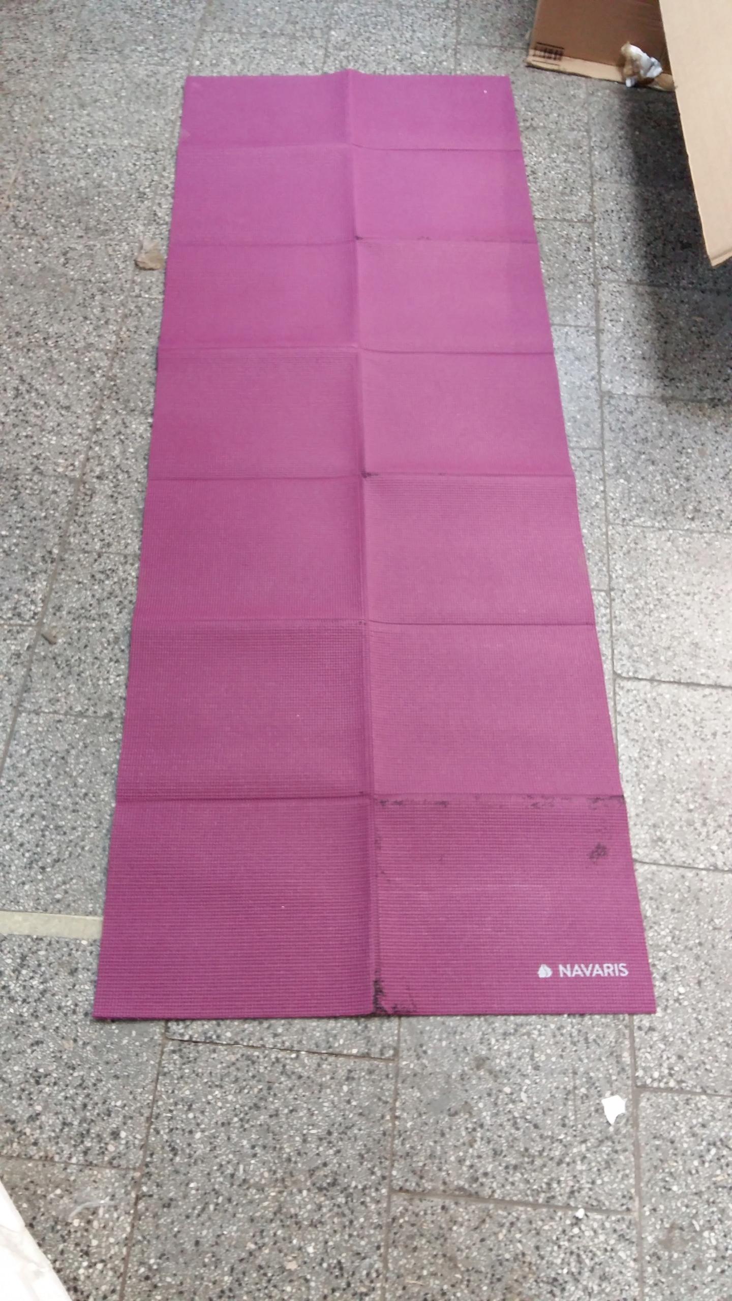 Mata do ćwiczeń fitnes składana NAVARIS