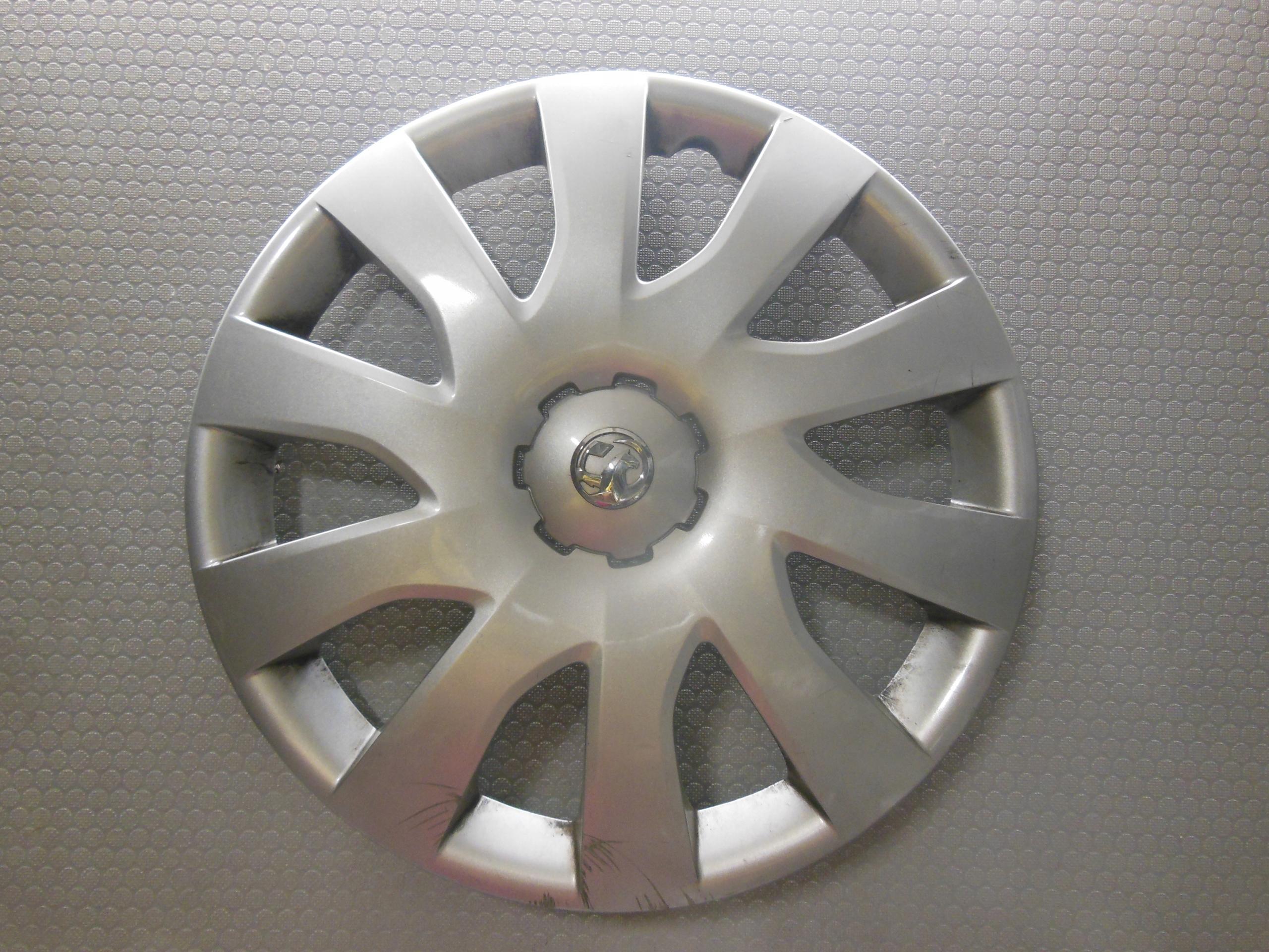Opel Vivaro Oryginalny kołpak 16'' 40315 4700