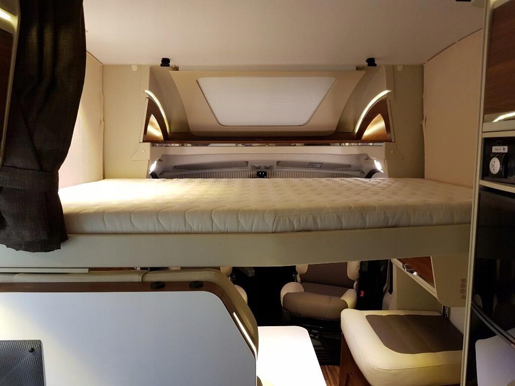 Łóżko elektryczne kamper kemping Adria .
