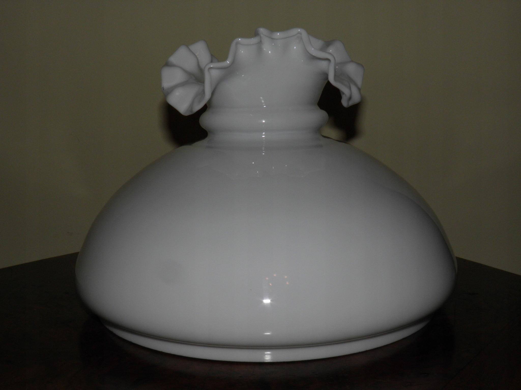 Dobry, falbaniasty klosz 23,5 / lampa naftowa