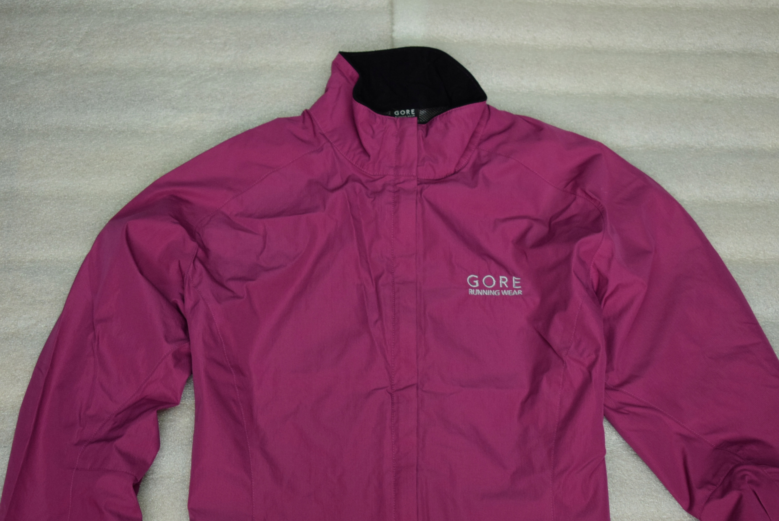 GORE RUNNING WEAR WINDSTOPPER WOMEN JACKET r.38