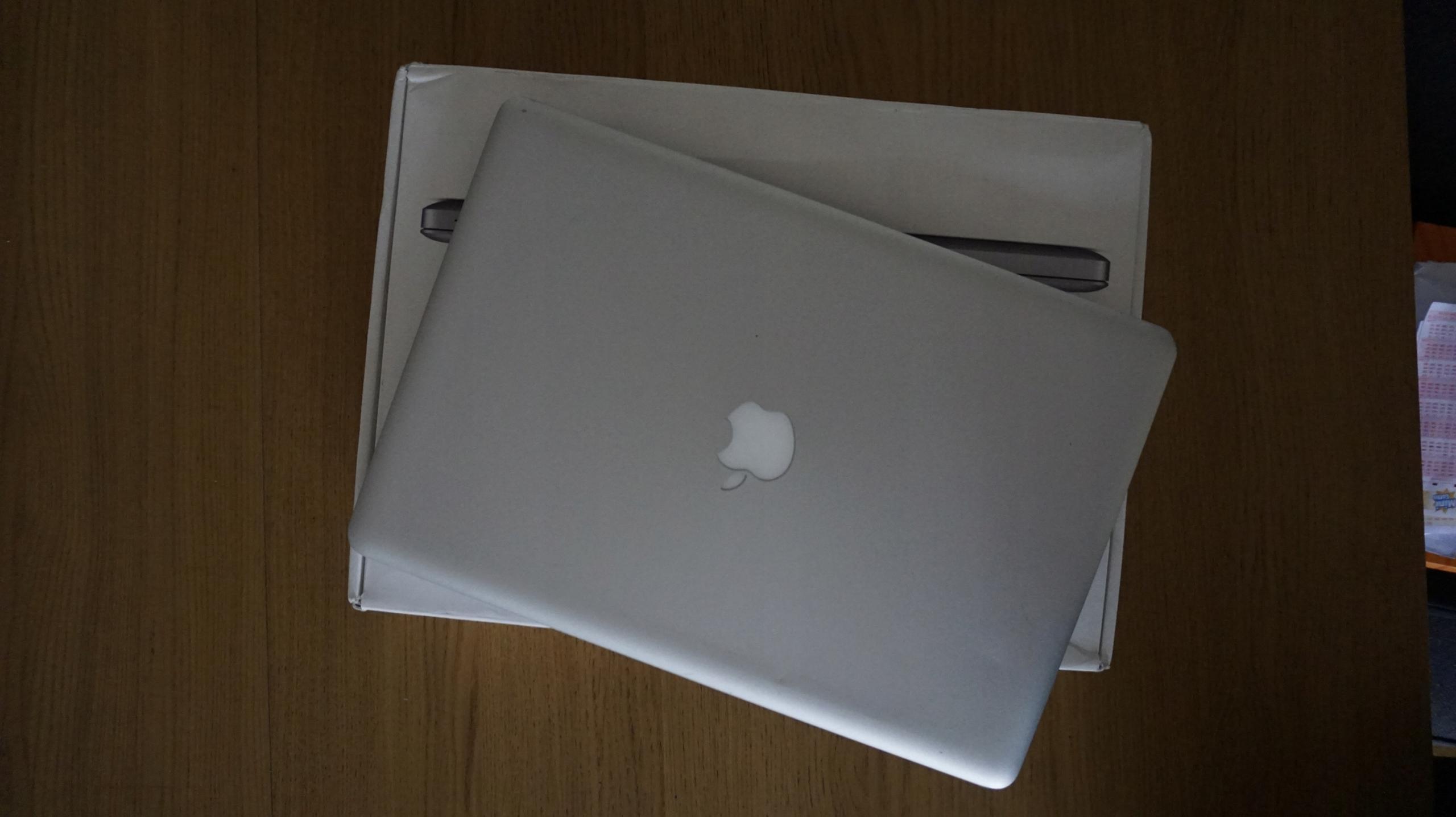 Apple Macbook Pro6,2 15'' i5, (mid2010)