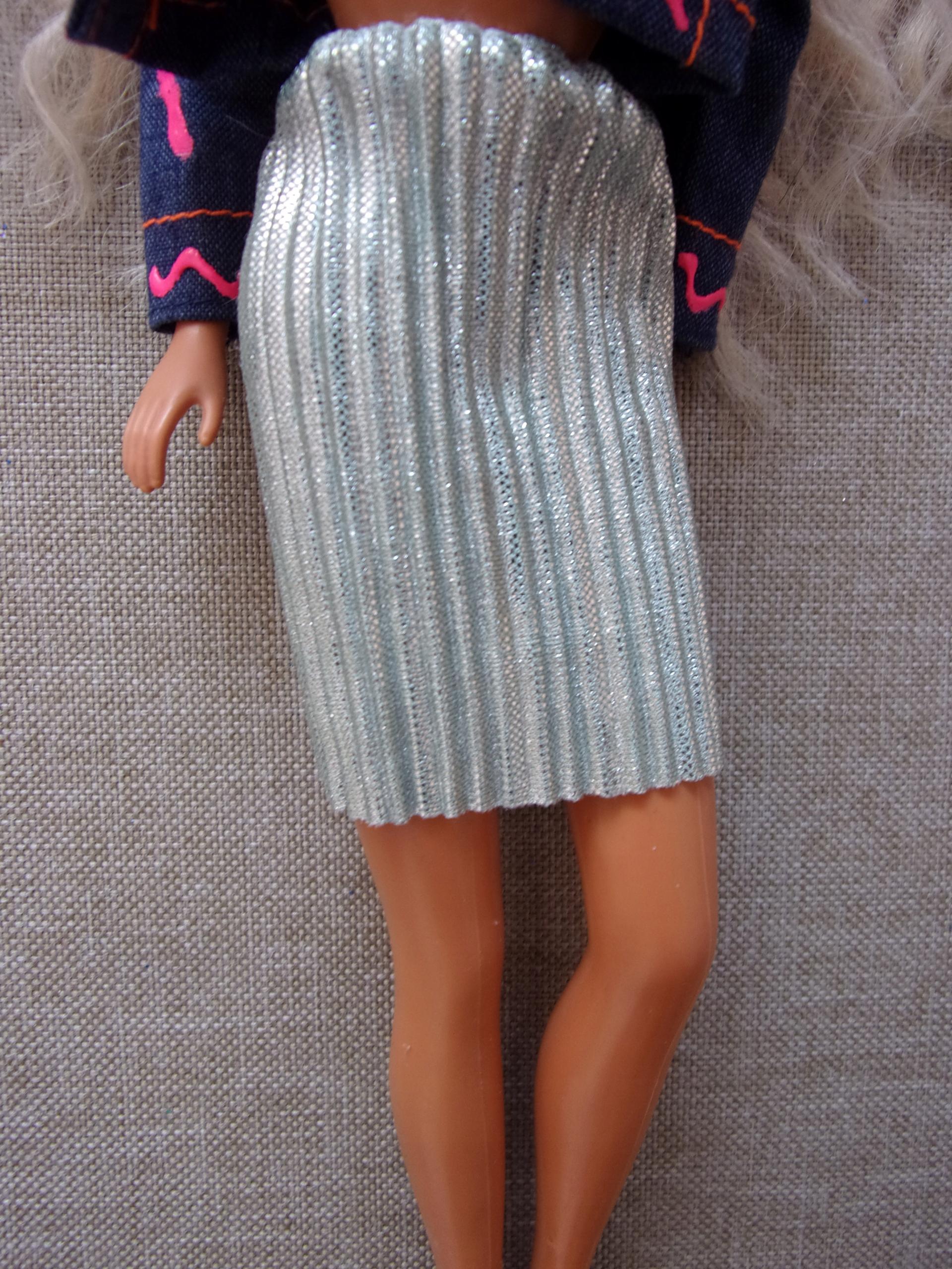 Spodnica połyskująca lalki Barbie