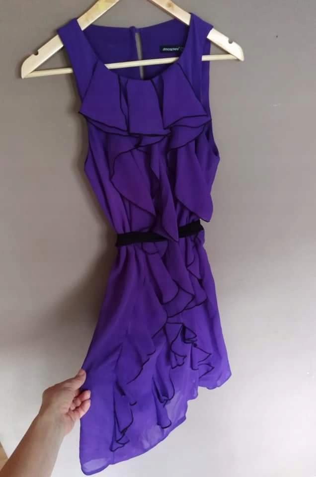 fioletowa sukienka Atmosphere 40 falbany
