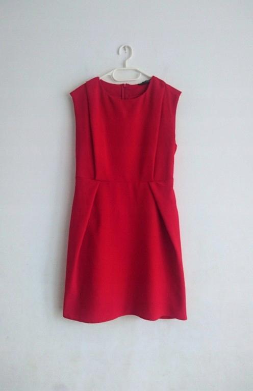 Czerwona elegancka sukienka Atmosphere