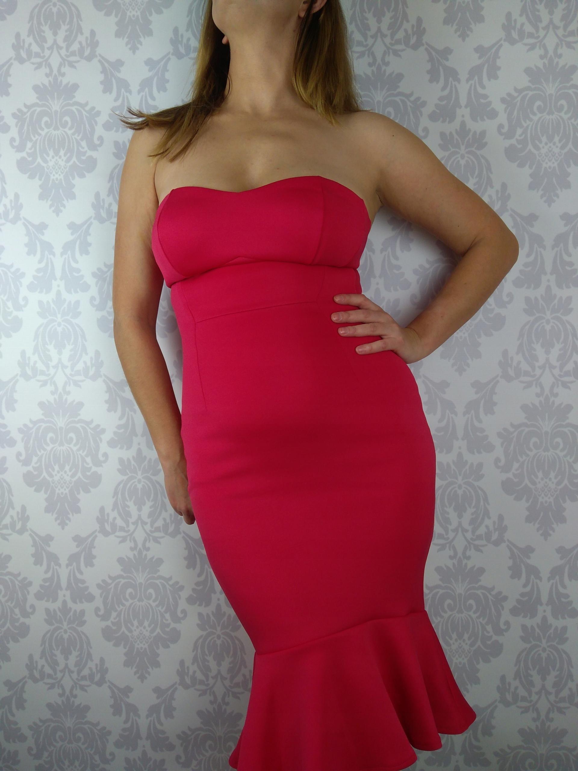 Rozm 34 Sexy czerwona midi sukienka ASOS z falbaną