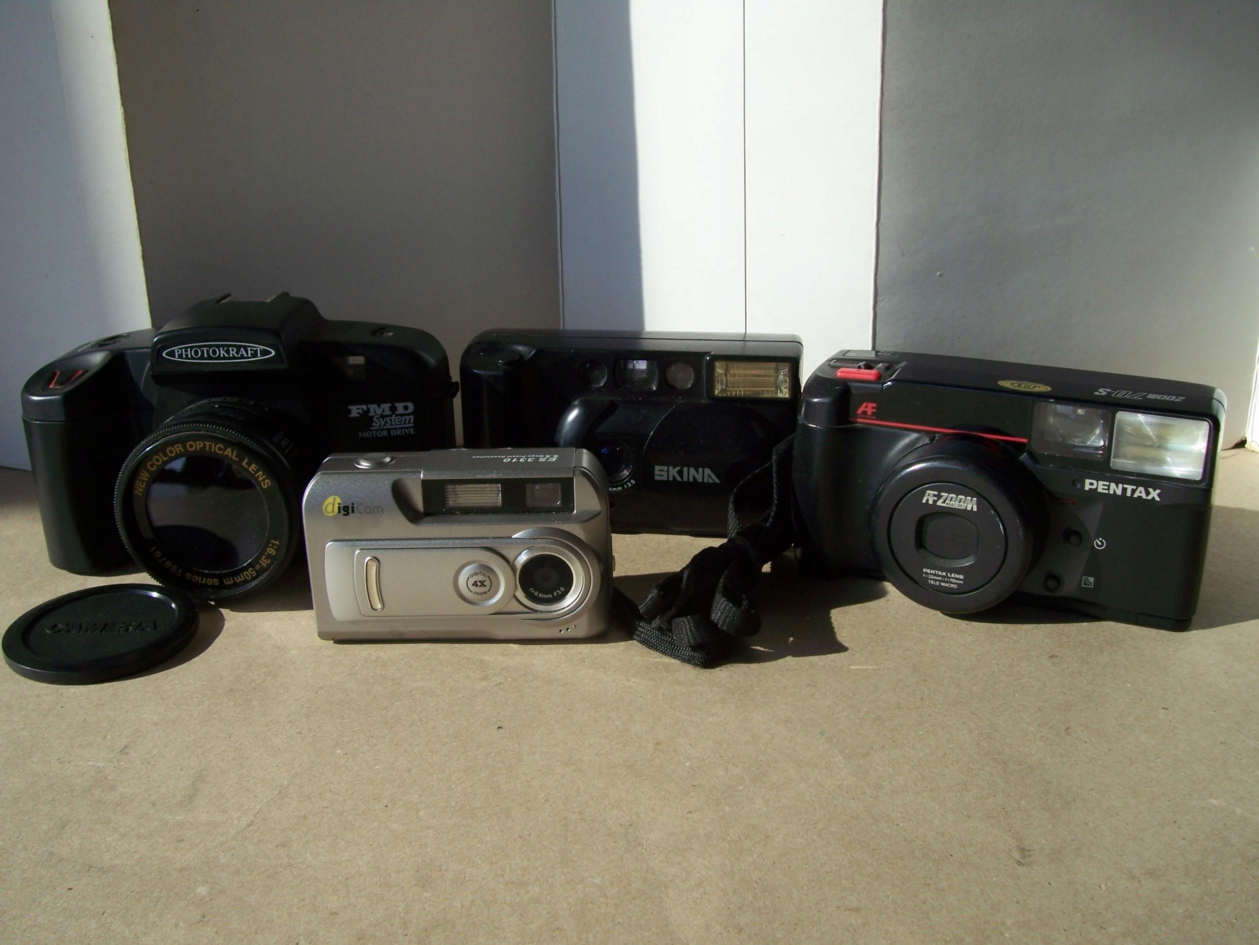 8 aparatów -6 analog.i 2 cyfrowe