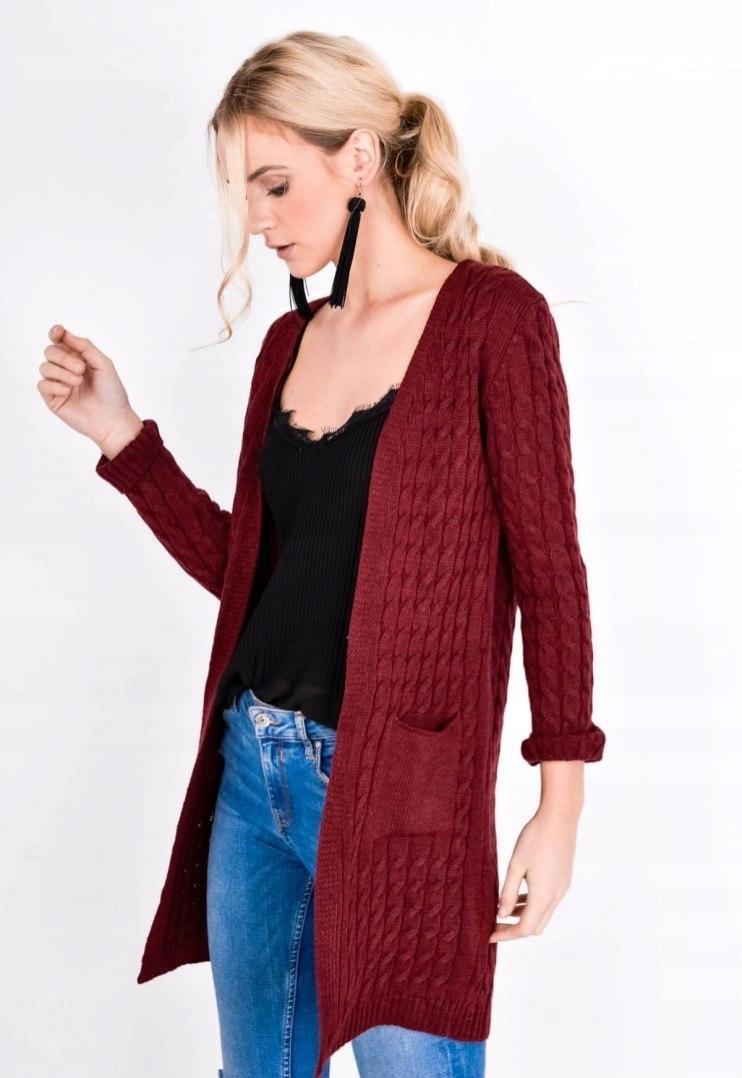 Gruby bordowy sweter narzutka kardigan z warkoczem