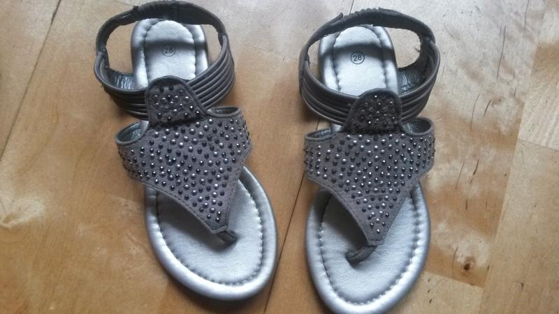 Sandałki - japonki 28