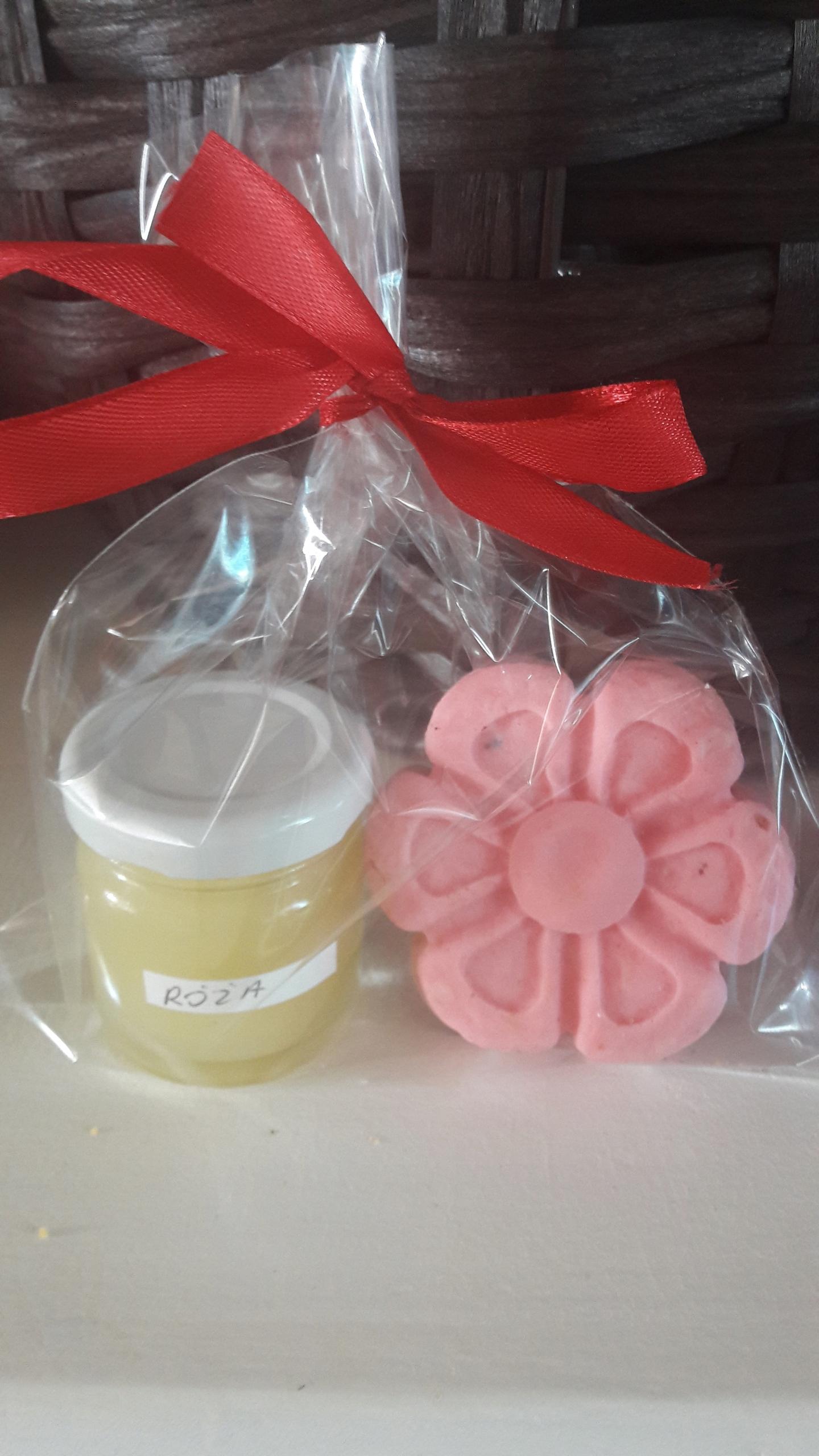 Zestaw naturalny krem różany lub lilak i mydełko