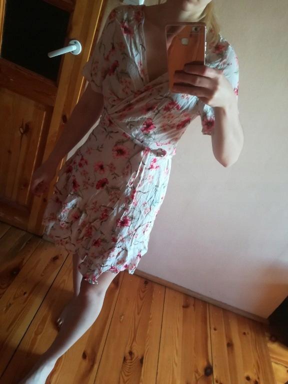 zwiewna sukienka oversize floral