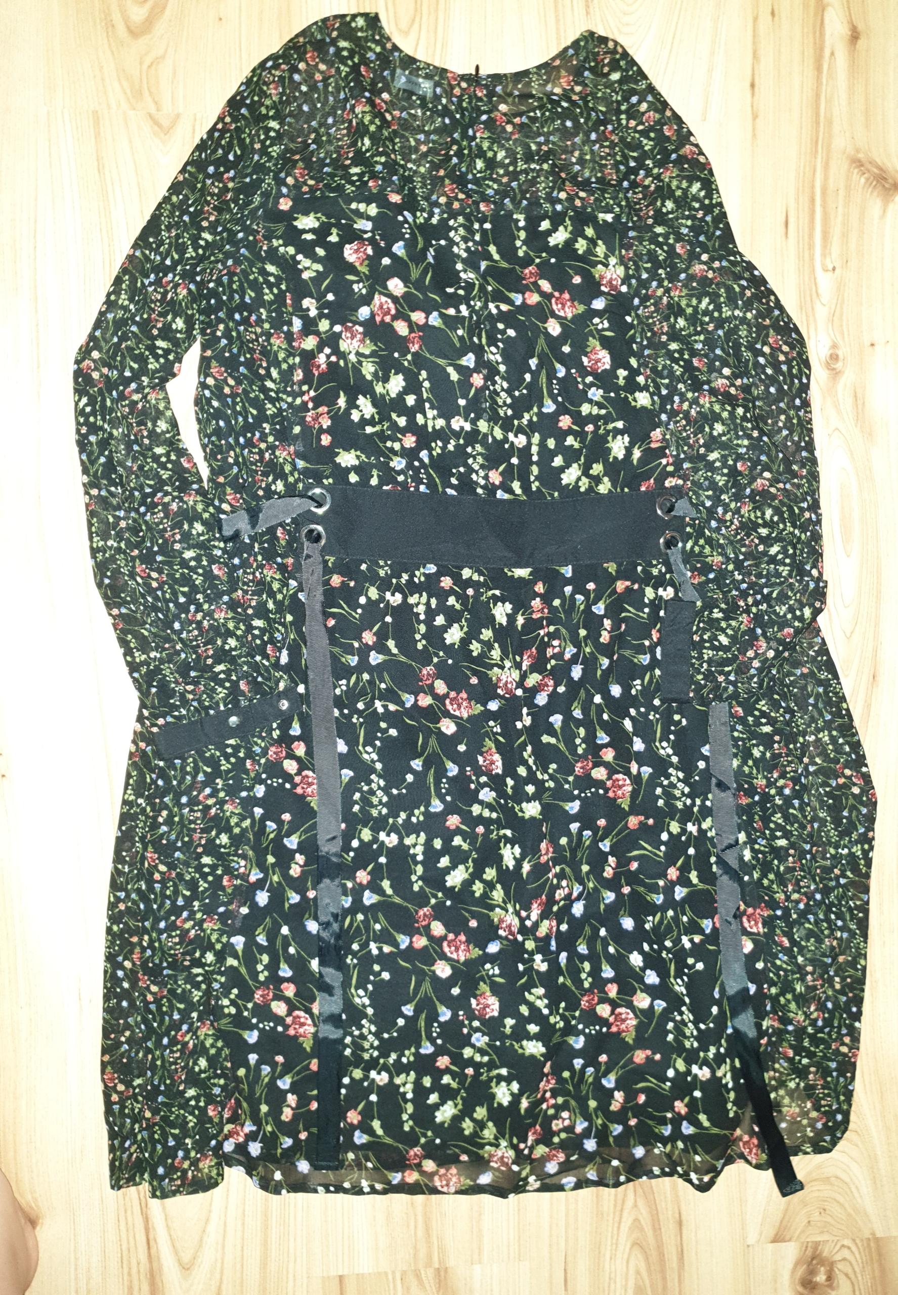 Sukienka mgielka reserved 42 taliowana klosz
