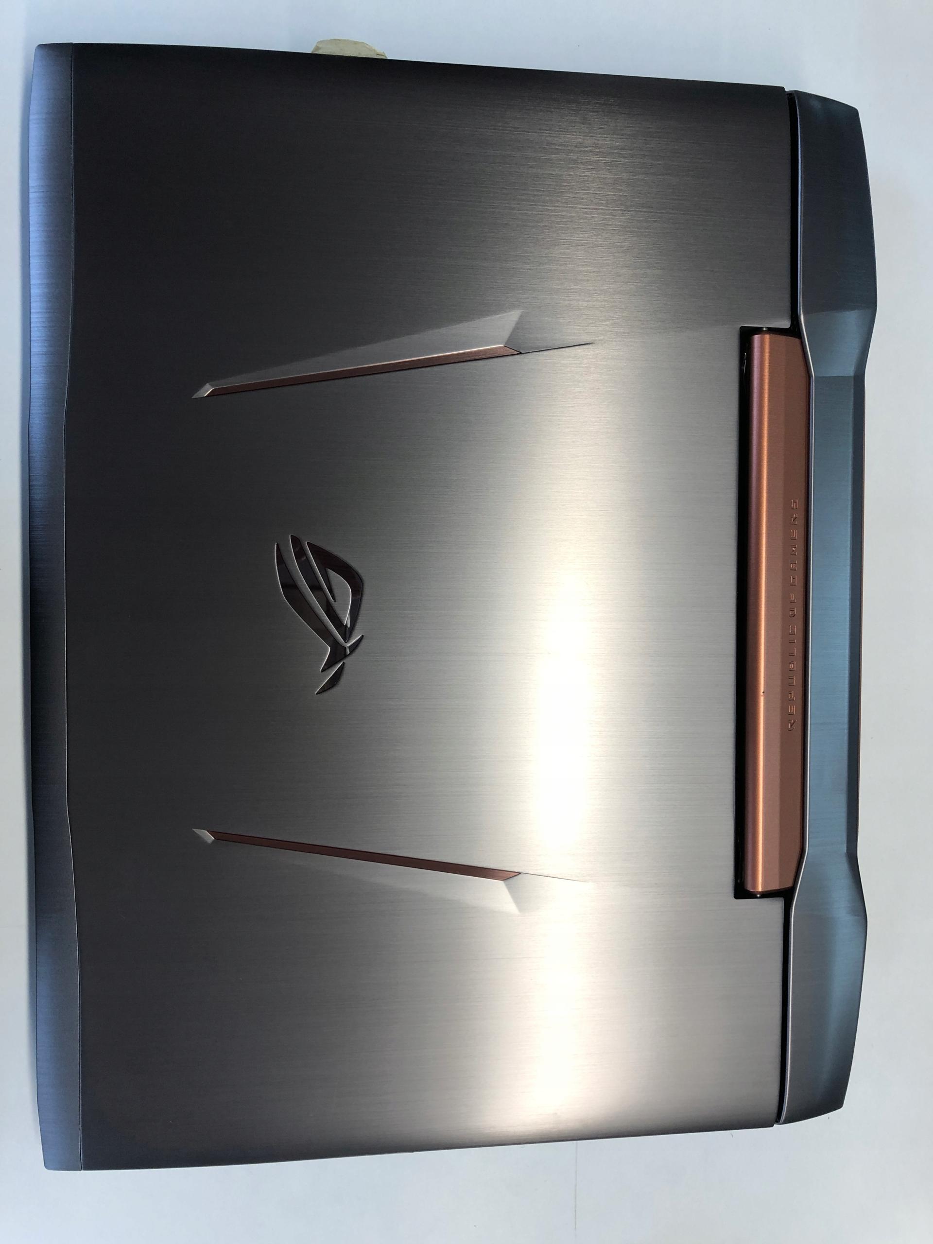 Asus G752VS i7-6700HQ 16GB 256SSD GTX1070 17,3 FHD