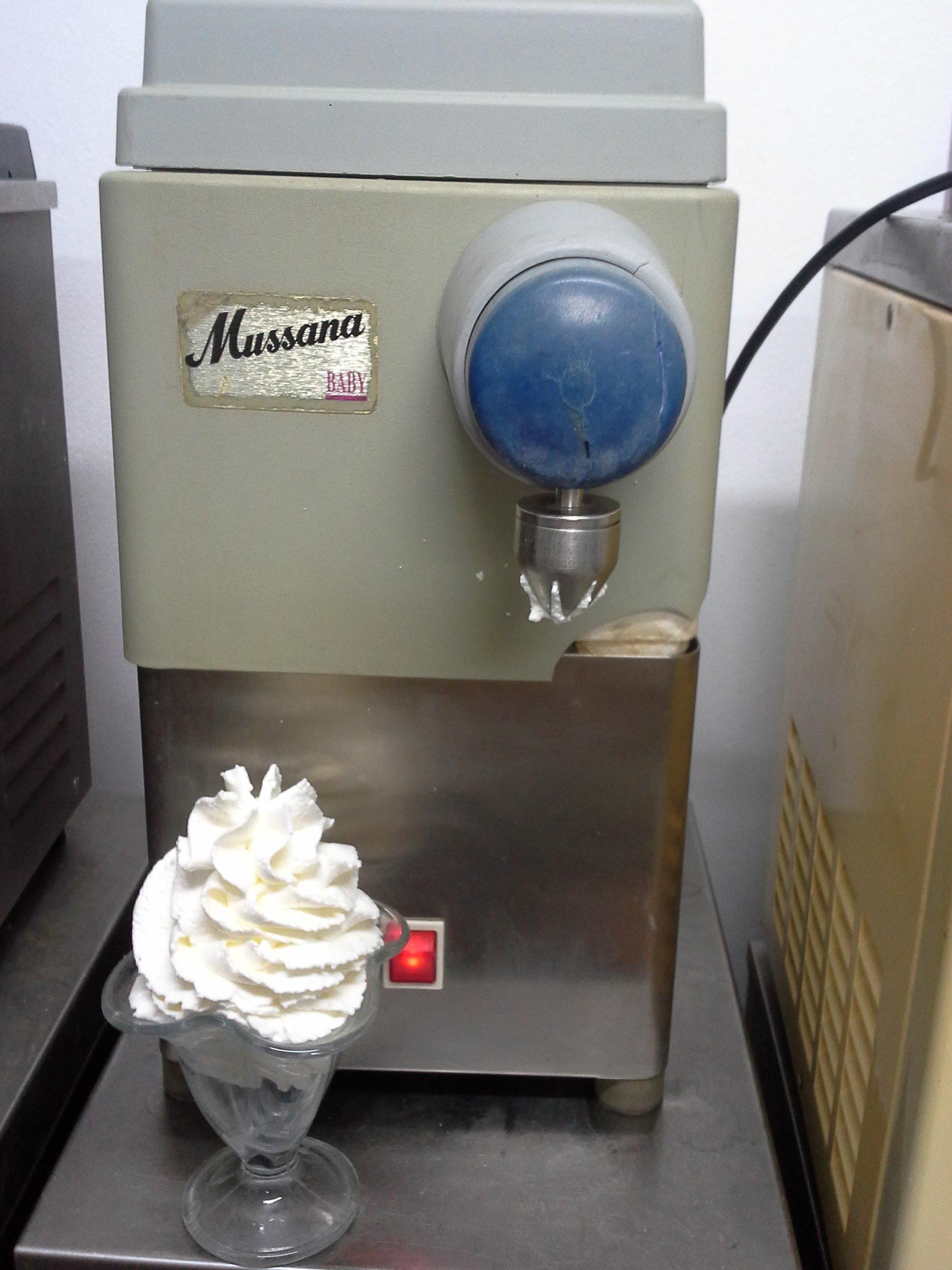 Inne rodzaje Automat,maszyna do bitej śmietany Mussana Baby - 7555206747 LU06