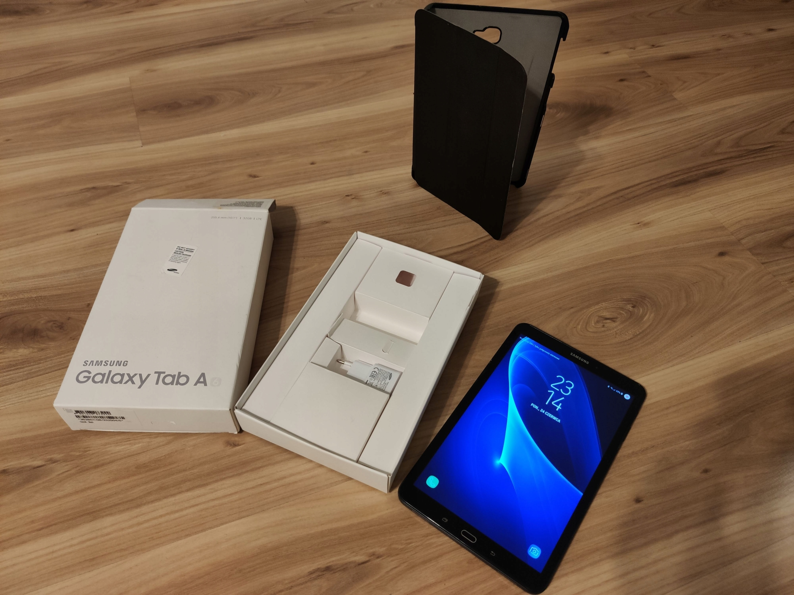 Samsung Galaxy Tab A 10.1 T585 32GB LTE + Etui