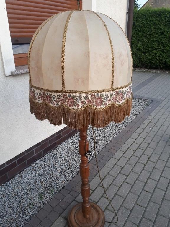 Lampa dębowa ze skórą