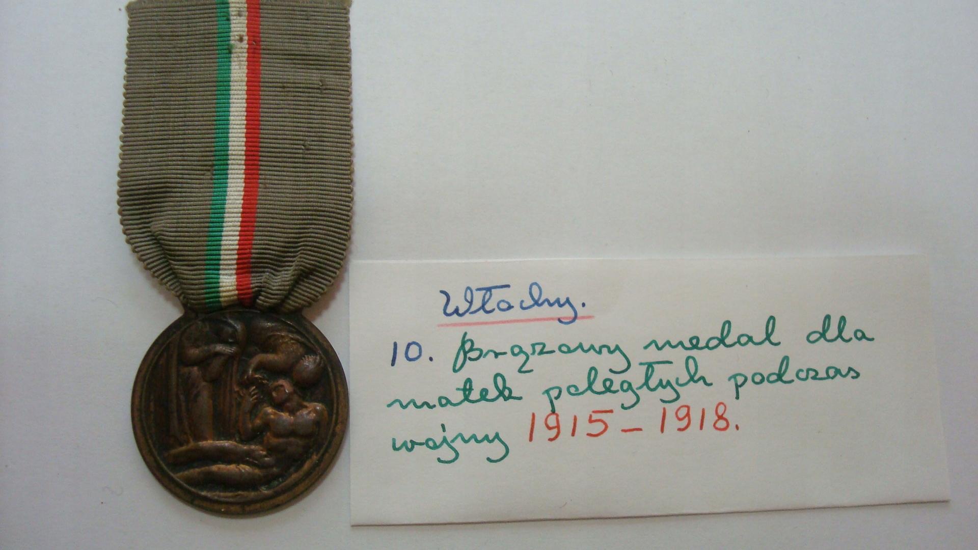 Włochy medal dla matek poległych 1918
