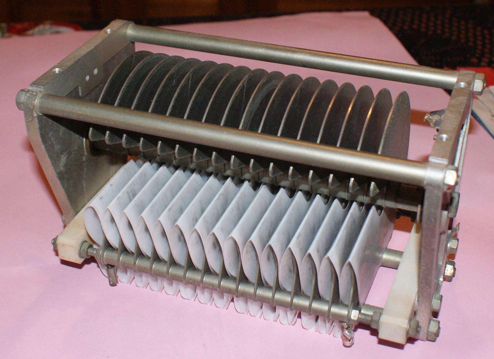 Kondensator do wzmacniacza dużej mocy 250pF