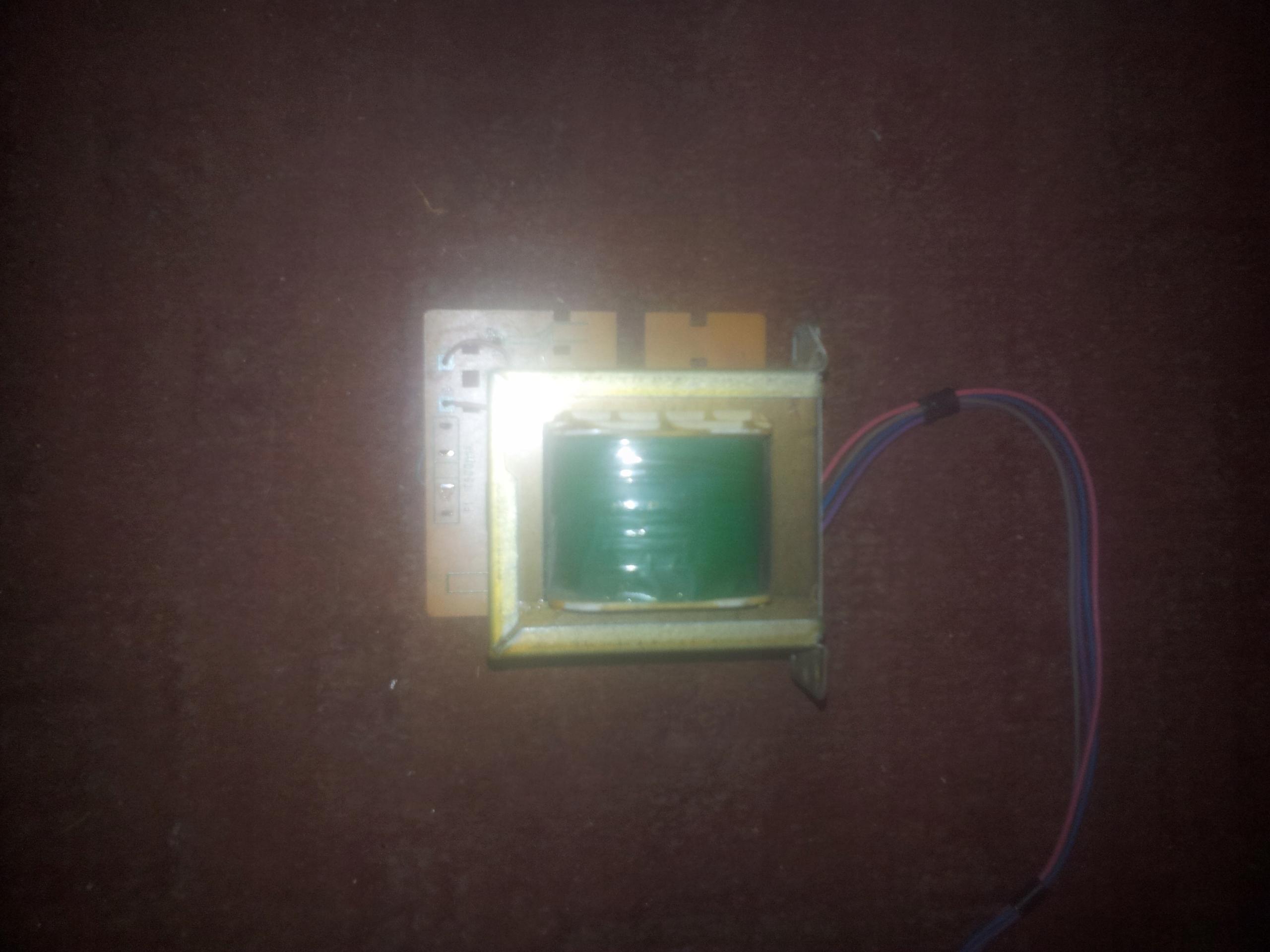 TRANSFORMARO 30 V+18V DO 2 AMPEROW