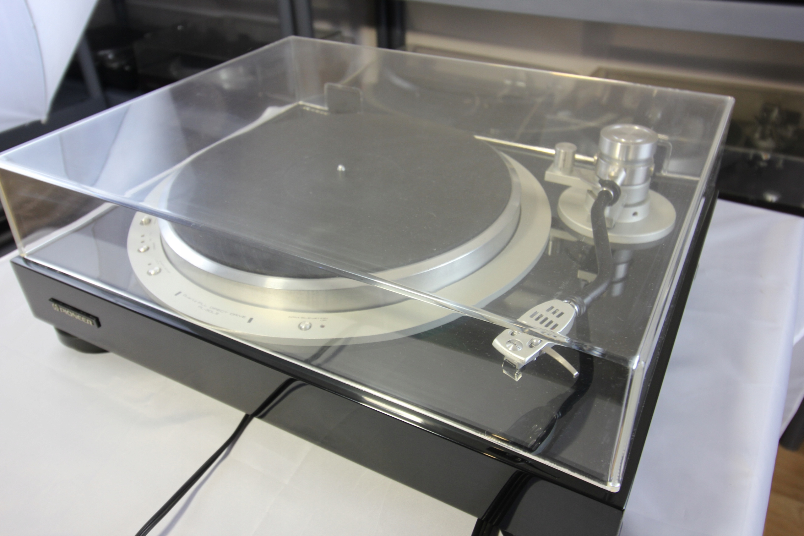 Gramofon Pioneer PL 30L II, pianolack, idealny.