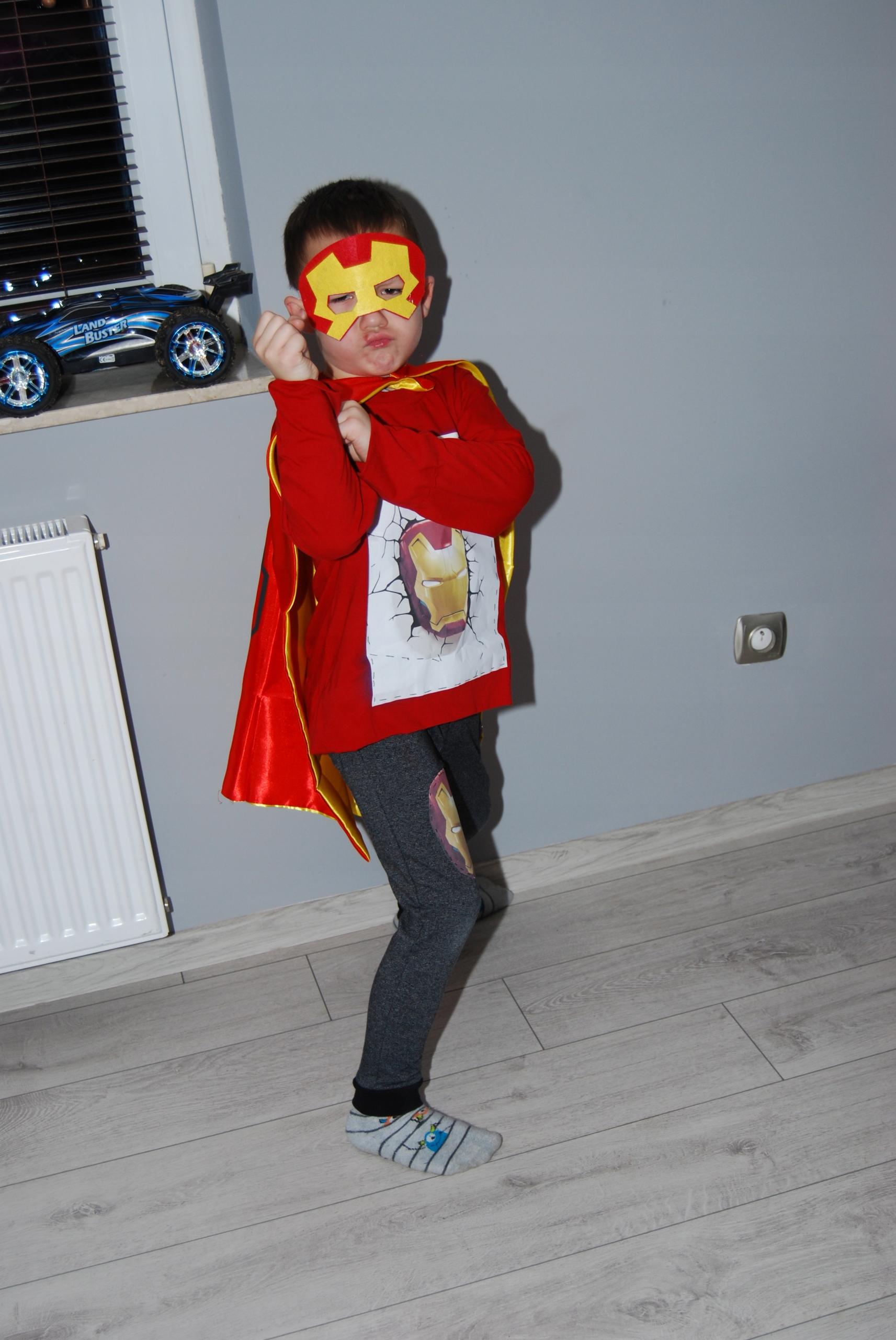 Peleryna I maska Iron Man only size