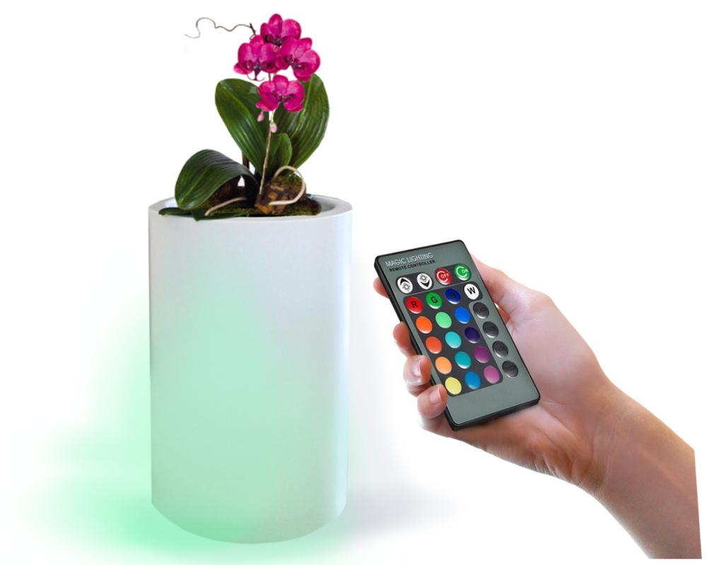 Doniczka podświetlana LED na taras ze zmianą barwy