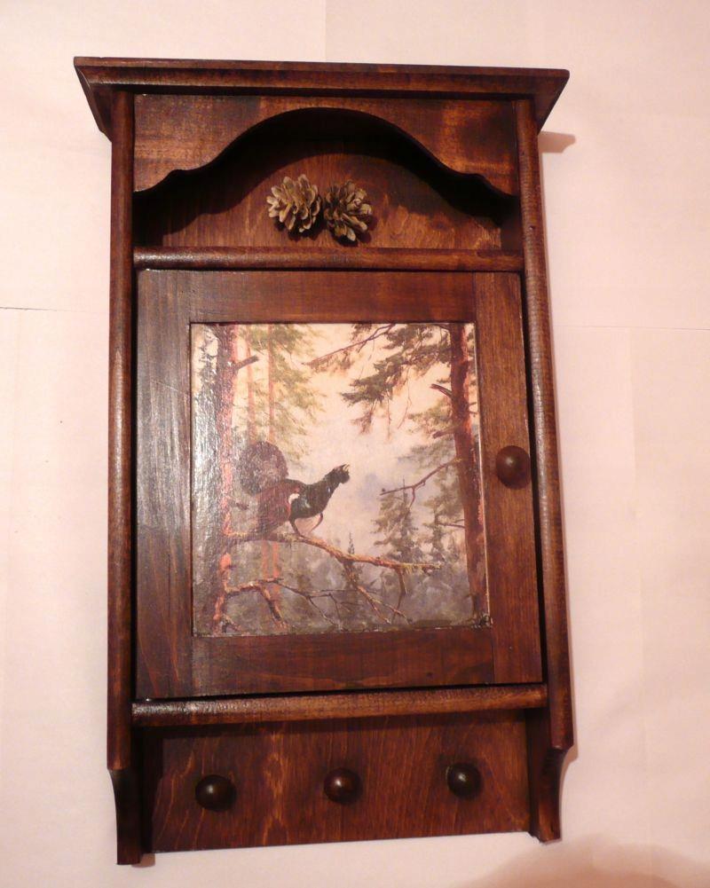 Prezent dla myśliwego-drewniana szafka na klucze