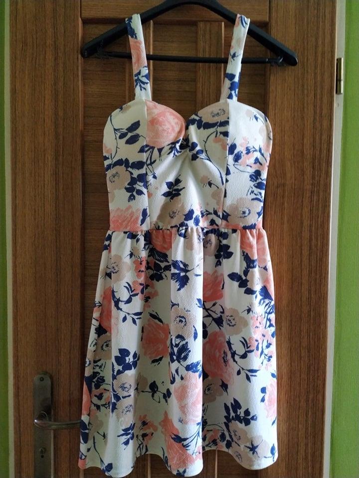 Sukienka mini w kwiaty roz 38 NEW LOOK