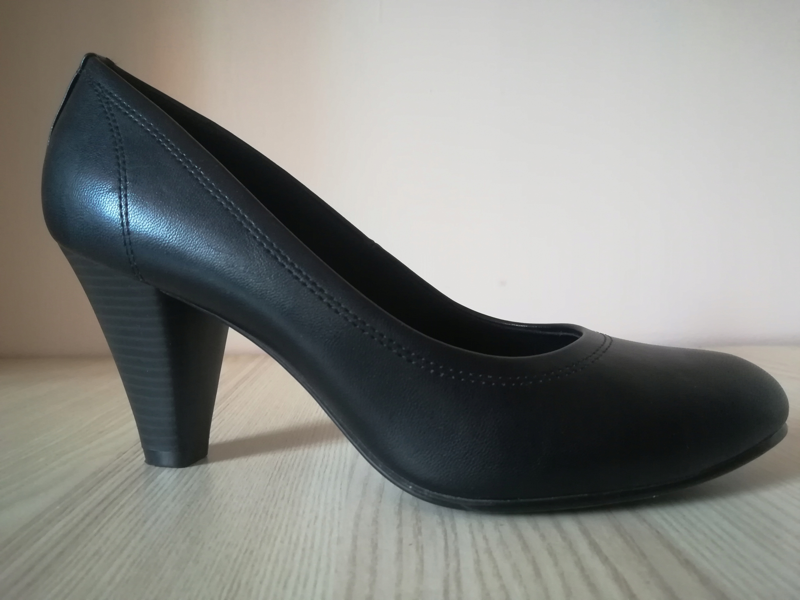 DEICHMANN czarne czółenka/pantofle na obcasie r. 3
